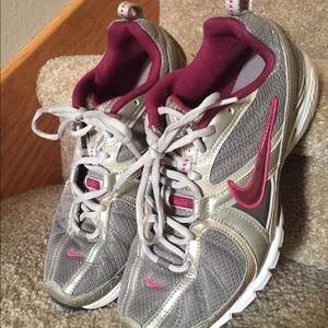 Nike Shoes ~ 9